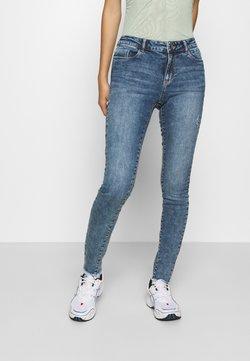 Vero Moda - VMSEVEN MR FRINGE - Slim fit jeans - medium blue denim
