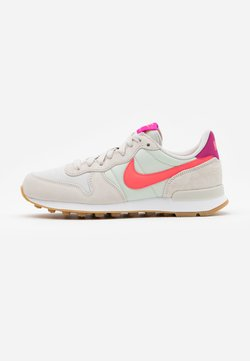 Nike Sportswear - INTERNATIONALIST - Sneaker low - light bone/flash crimson/cactus flower/summit white/light brown