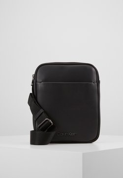 Calvin Klein - CENTRAL FLAT CROSSOVER - Sac bandoulière - black