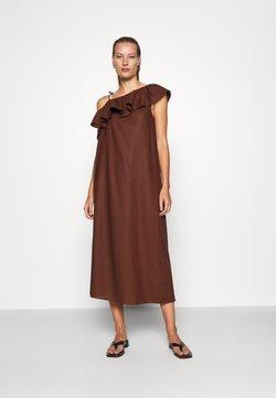 ARKET - DRESS - Freizeitkleid - brown dark