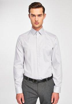Next - SIGNATURE TEXTURED SHIRT-REGULAR FIT SINGLE CUFF - Businesshemd - grey