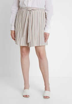 New Look Curves - CHARLOTTE - Shortsit - white