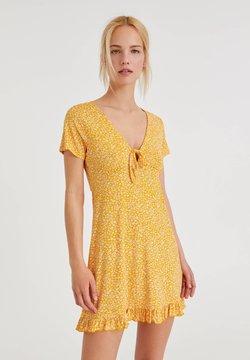 PULL&BEAR - Freizeitkleid - yellow