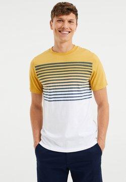 WE Fashion - GESTREEPT  - T-Shirt print - ochre yellow
