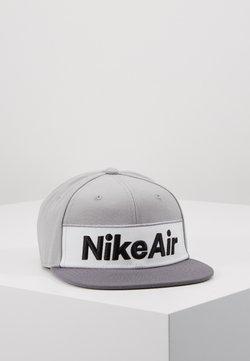 Nike Sportswear - NSW NIKE AIR FLAT BRIM - Pet - dark grey