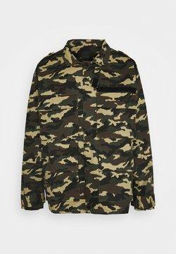 Mennace - WOODLAND CAMO FIELD JACKET - Summer jacket - khaki