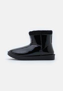 HUGO - COZY BOOTIE - Śniegowce - black