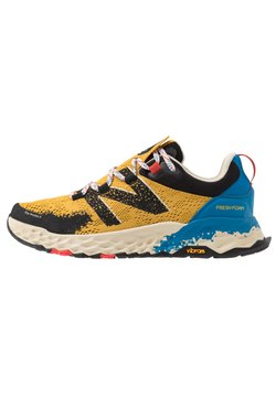 New Balance - HIERRO V5 - Zapatillas de trail running - yellow