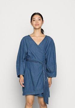 Lindex - DRESS ROSANNA DENIM - Jeanskleid - dusty blue