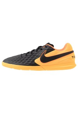 Nike Performance - TIEMPO LEGEND 8 CLUB IC - Fußballschuh Halle - black/laser orange