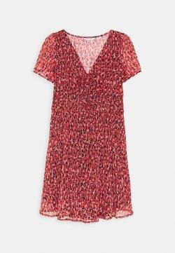 NAF NAF - JESSICA - Robe d'été - rouge motif