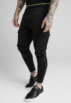 SIKSILK - ADAPT CRUSHED PANT - Cargohose - black