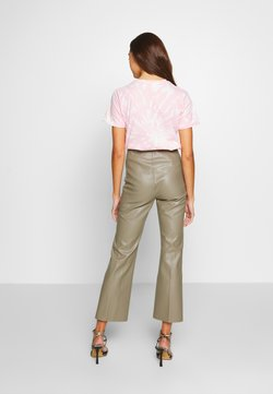 Soaked in Luxury - KAYLEE KICKFLARE PANTS - Stoffhose - brindle