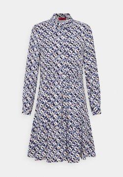 MAX&Co. - ROSATEA - Vestido camisero - sky blue