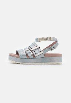 MJUS - MAY - Korkeakorkoiset sandaalit - anice