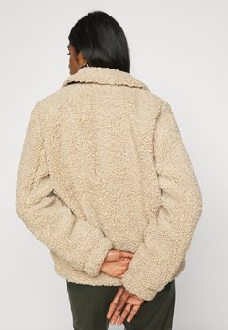Noisy May Petite - NMGABI JACKET - Winterjacke - white pepper