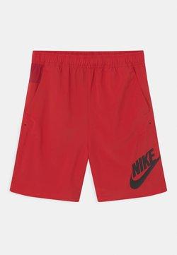 Nike Sportswear - Shortsit - university red/ white