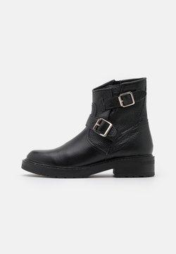 Pavement - FIE - Cowboy-/Bikerlaarsjes - black garda
