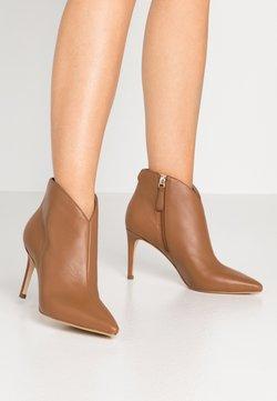 Guess - BRISTA - High Heel Stiefelette - beige neutro