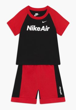 Nike Sportswear - AIR FRENCH BABY SET  - Pantalon classique - black/university red