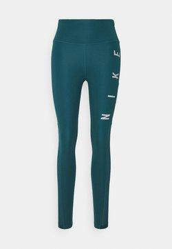 Nike Performance - RUN EPIC FAST - Medias - dark teal green/silver