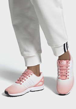 adidas Originals - ZX FLUX SHOES - Sneaker low - pink