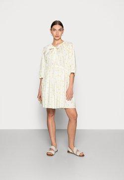 ARKET - DRESS - Freizeitkleid - green
