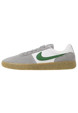 Nike SB - TEAM CLASSIC - Sneaker low - particle grey/forest green