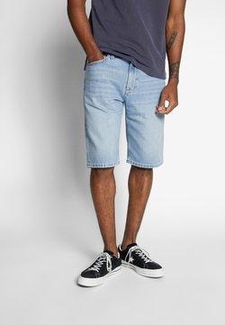 Tommy Jeans - REY - Jeansshort - light-blue denim