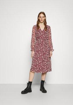 Vero Moda - CALF DRESS - Vestido camisero - cabernet