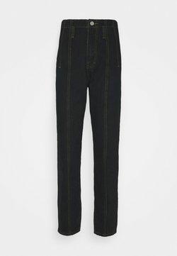 Missguided Tall - SEAM DETAIL MOM - Jeans Straight Leg - black