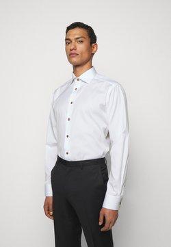 Eton - CONTEMPORARYWHITE ETON POPLIN SHIRT - Camicia elegante - white poplin