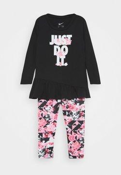 Nike Sportswear - TOKYO FLORAL SET - Bukser - pink