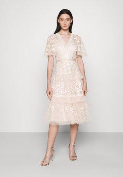 Needle & Thread - FRANCINE DRESS - Ballkjole - strawberry icing