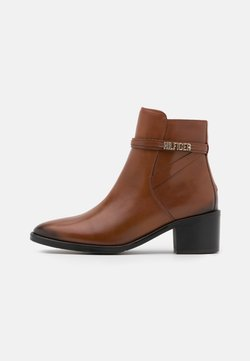 Tommy Hilfiger - BLOCK BRANDING MID BOOT - Stiefelette - pumpkin paradise