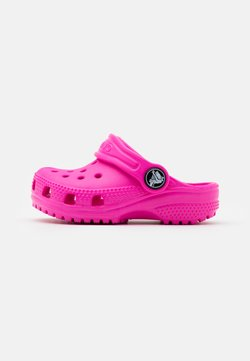 Crocs - CLASSIC  - Badslippers - electric pink