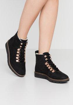 Superdry - STUDIO HIKER  - Ankle Boot - black
