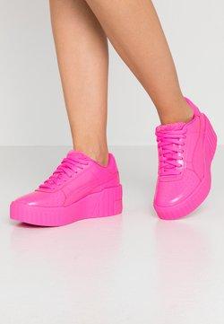 Puma - CALI WEDGE  - Sneaker low - luminous pink/metallic pink