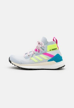 adidas Performance - TERREX FREE HIKER PRIMEBLUE  - Hikingschuh - halo blue/hi-res yellow/screaming pink
