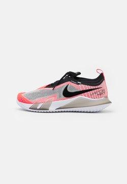 Nike Performance - COURT REACT VAPOR NXT - Scarpe da tennis per tutte le superfici - white/black/hyper crimson/volt