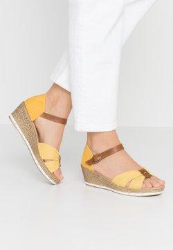 Rieker - Sandales à plateforme - yellow/amaretto/gelb