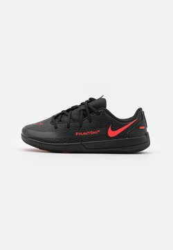 Nike Performance - JR PHANTOM GT CLUB IC UNISEX - Chaussures de foot en salle - black/chile red/dark smoke grey