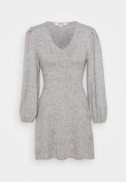 Dorothy Perkins Petite - TIE WASIT BRUSHED DRESS - Vestido de punto - grey
