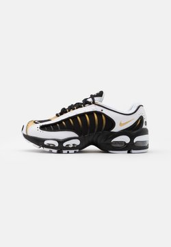 Nike Sportswear - AIR MAX TAILWIND IV - Baskets basses - black/metallic gold/white
