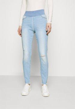 Freequent - FQSHANTAL ANKLE BROKEN - Vaqueros slim fit - bleached blue denim