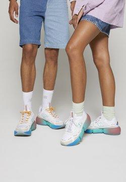New Balance - VISION RACER UNISEX - Sneakers - white