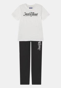 Jack & Jones Junior - JACLOUNGE JR SET - Printtipaita - blanc