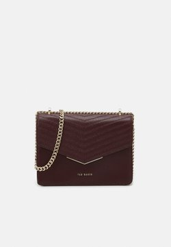 Ted Baker - PATENT QUILTED ENVELOPE MINI XBODY BAG - Umhängetasche - purple