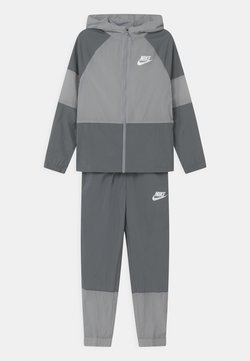 Nike Sportswear - SET UNISEX - Veste de survêtement - smoke grey/white