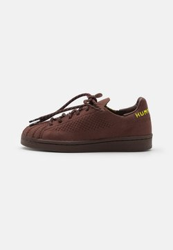 adidas Originals - PW SUPERSTAR PK UNISEX - Sneaker low - auburn/bright yello/brown